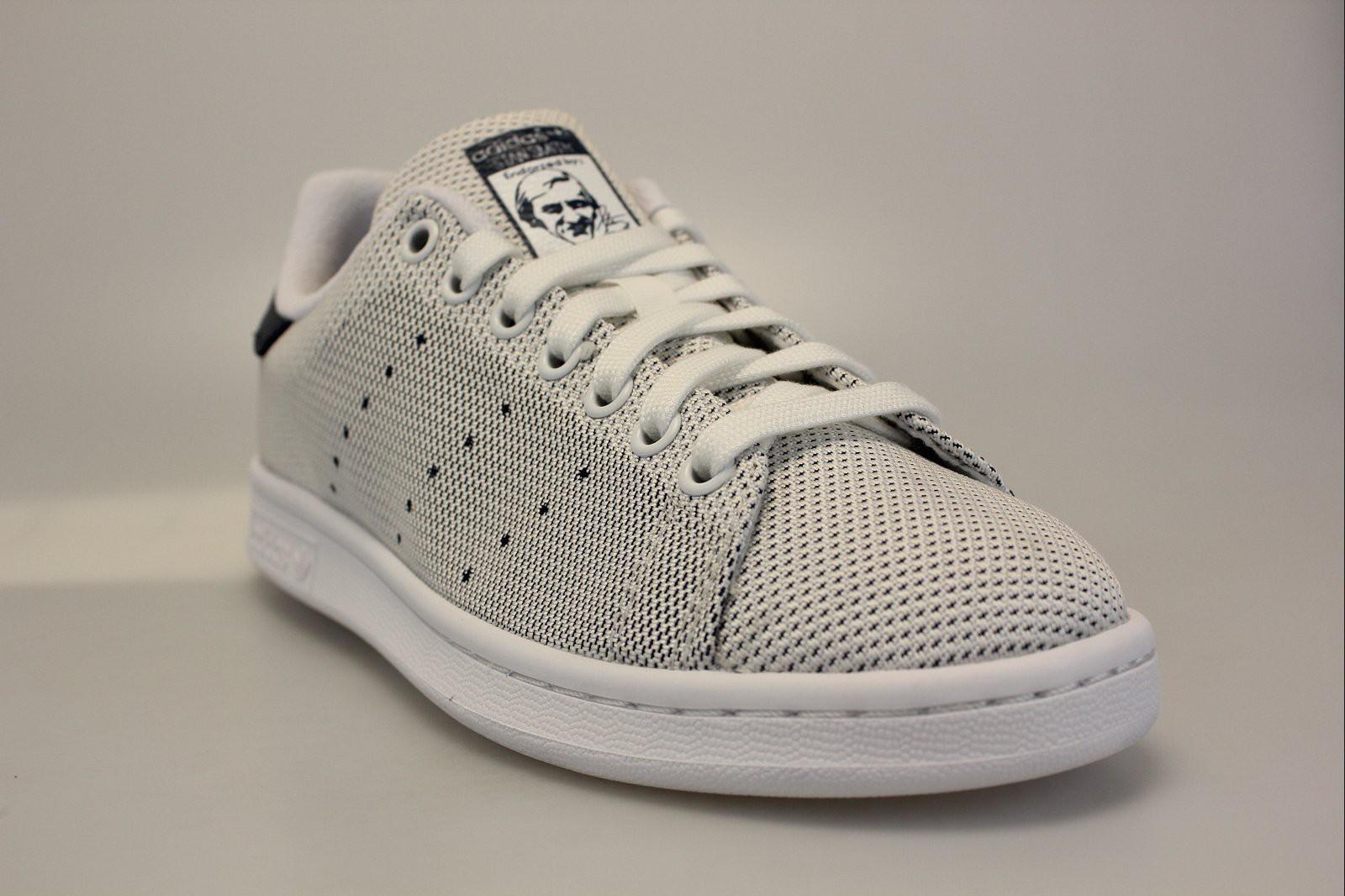 3d5b9519e7 Stan Smith Tissu ... Adidas Stan Smith bleues Retour. lightbox. ADIDAS Stan  Smith Baskets pour Femme Blanc N° de ...