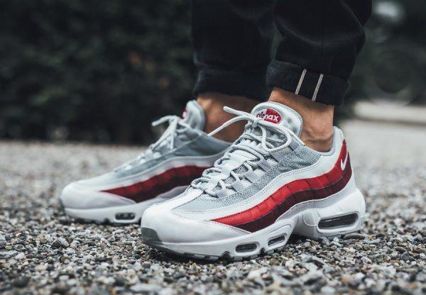 sports shoes b170d bf190 2018 Nouveau   Nike Air Max 95 ESSENTIAL Chaussures de course pour - Dark  Rouge 807443 090 Pas Cher Magasin - Femmes 2019 2002 2017