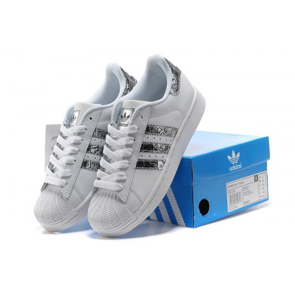 adidas superstar femme bleu clair, basket femme adidas superstar bleu. Shopping : baskets femme Superstar adidas irisées. Prix Adidas Superstar .