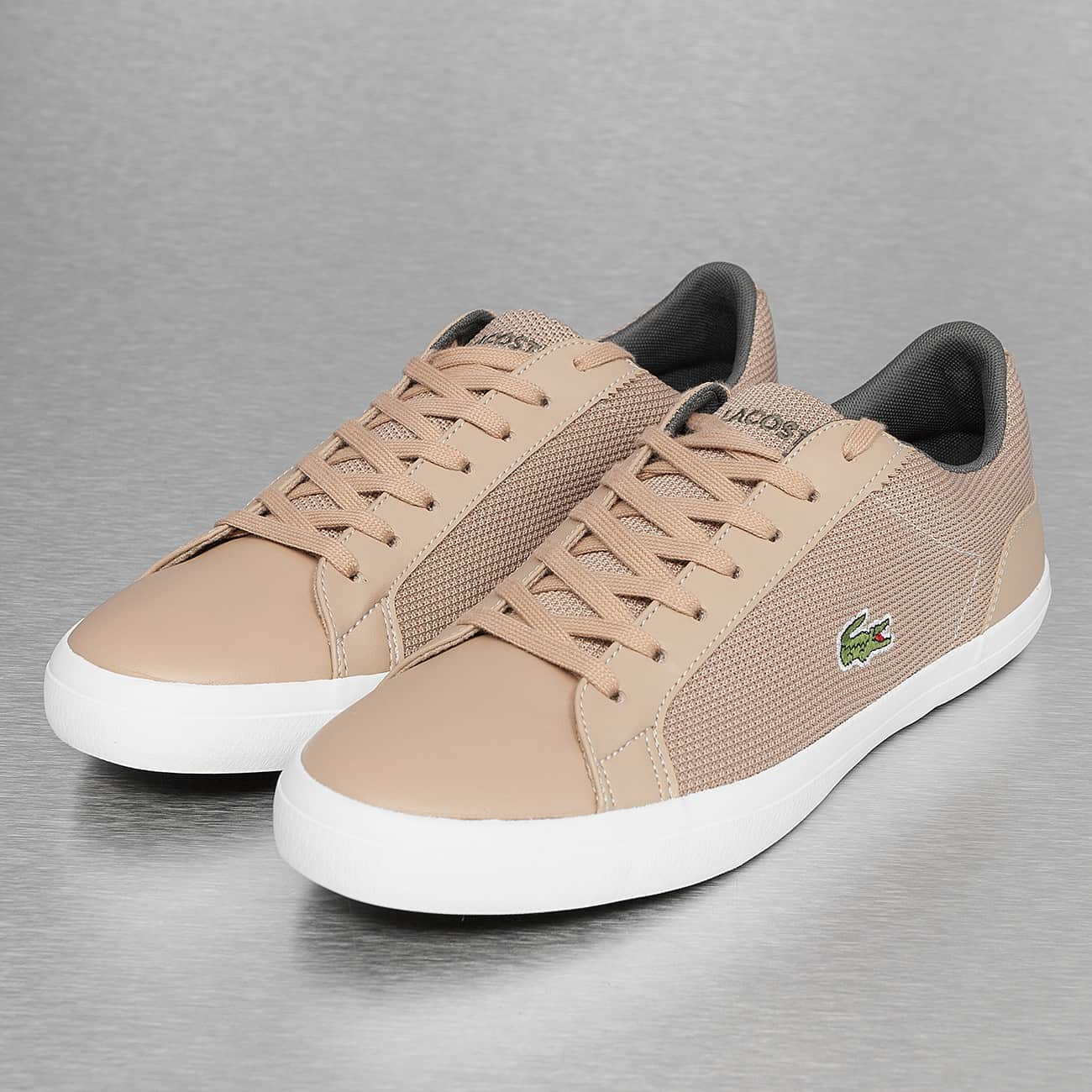 a405e28350 Lacoste Baskets Lerond 318 noir. BASKET lacoste carnaby ... ... Chaussures  Lacoste Carnaby EVO blanche et rose perle vue dessus