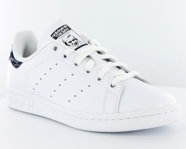 9feccd03f4b447 ... Adidas originals sandales blanc femme,adidas stan smith fr,sacoche  adidas blanche,mode . ...