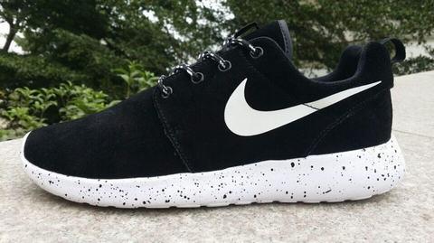best website b23d3 017c7 Chaussures Nike Roshe Run Homme Dark Rouge Noir,nike free nike pas cher,magasin  france