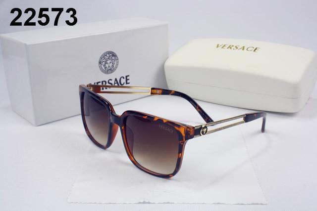Découvrez tous les styles de lunette de vue versace pas cher pour hommes,  femmes et enfants dans une gamme de tailles et de styles. 6de121b3386