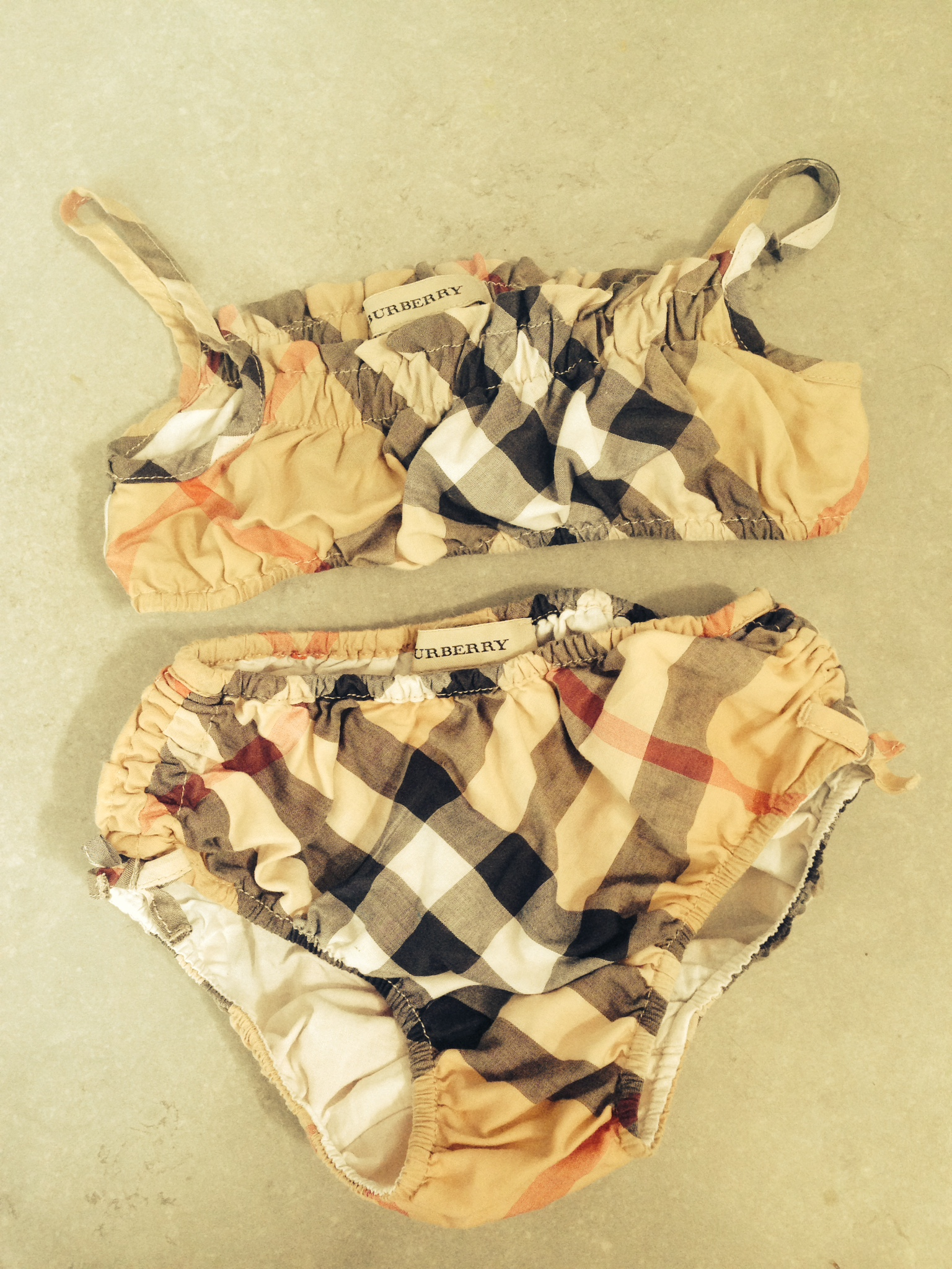 7443ca10f257 Acheter maillot de bain burberry pas cher